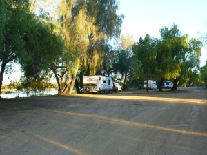 Free camp at Newey Dam, Cobar