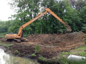 Ponds-lakes-Bulldozing_1059849_image